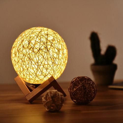 Đèn để bàn