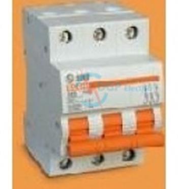 Thiết bị đóng cắt MCB 3P 6A 415VAC 6kA SC68N/C3006